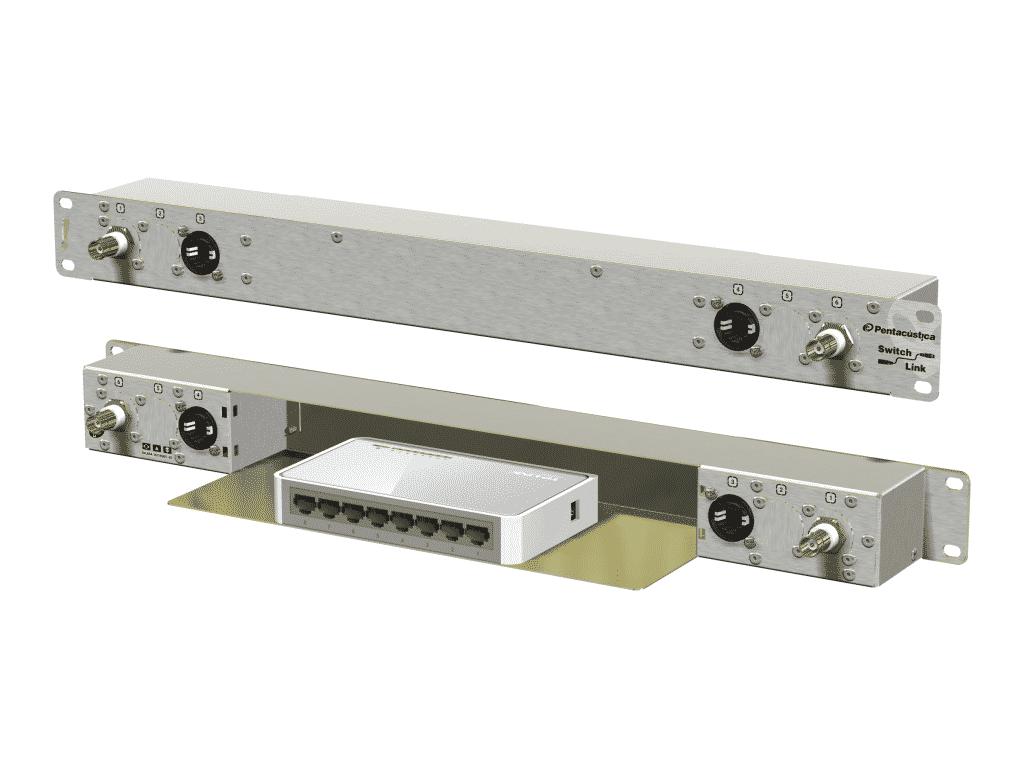 2 BNC-50R, 2 I/Os externos e 6 internos. Uma opção interessante para racks de equipamentos wireless
